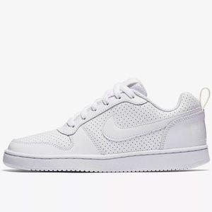 Women's Nike court borough low shoes